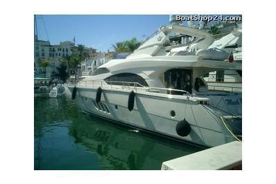 Sealine S25 - MIA Yachtcharter at special offers - boat-and-yacht.com