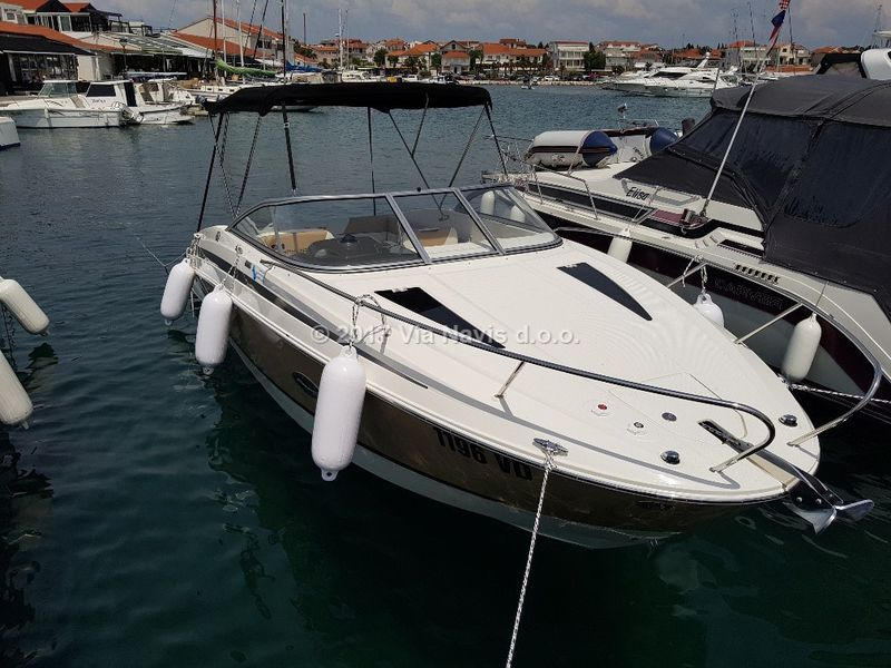 Bayliner 742 Cuddy for rent - powerboat charter - boat-and-yacht com
